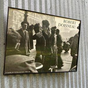 Framed Print By Robert Doisneau, The KISS